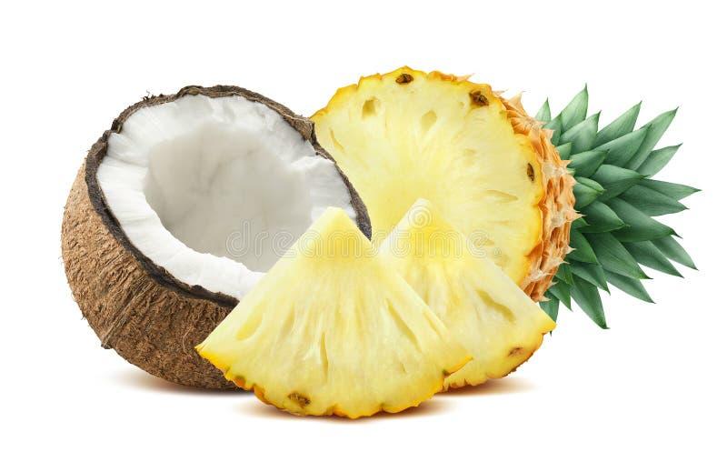 De stukkensamenstelling 2 van de ananaskokosnoot op witte backgro wordt geïsoleerd die stock afbeeldingen