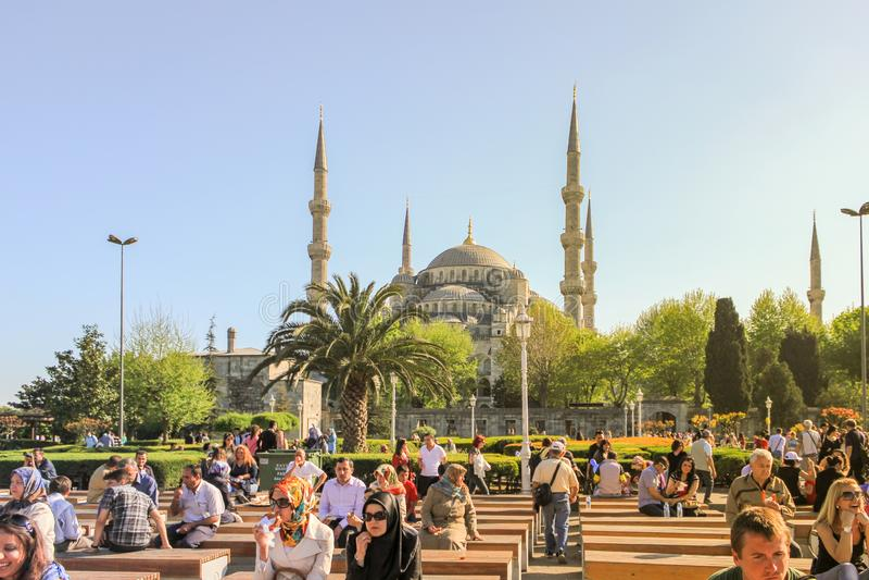 De Moskee van Sultanahmet redactionele afbeelding ...