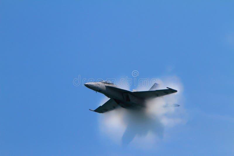 De supersone knal bij de Lucht van Chicago toont - het Onduidelijke beeld van de Motie stock afbeeldingen