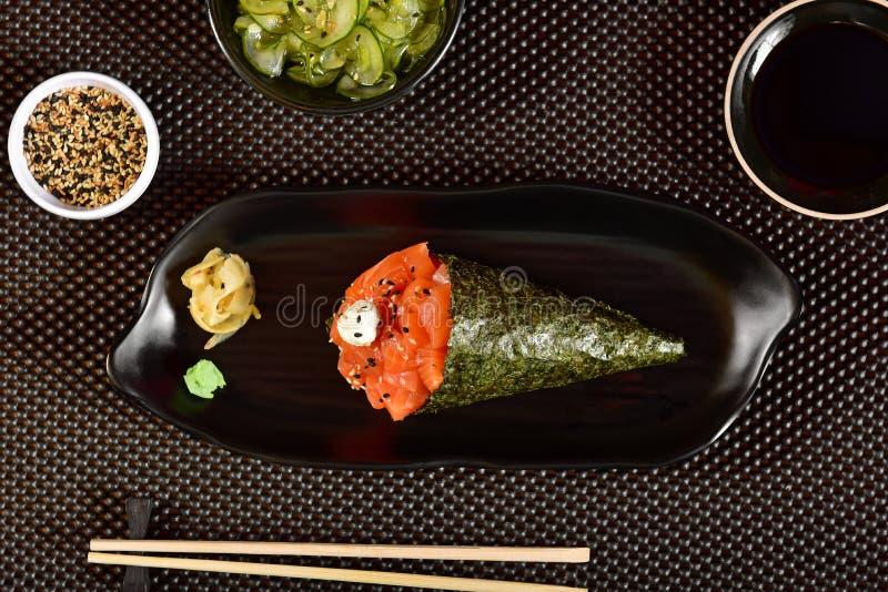 De sushi van zalmtemaki stock fotografie