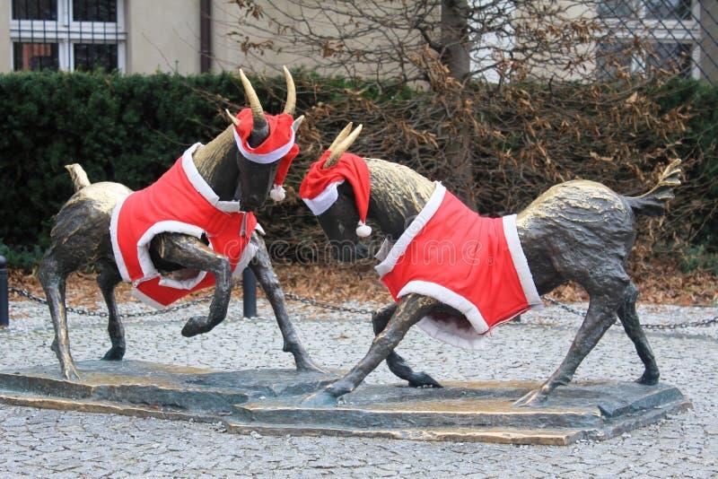 De symbolen van de stad van Poznan met de Kerstmisdecoratie royalty-vrije stock fotografie