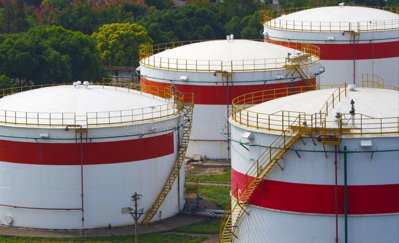 De tanks van de olie royalty-vrije stock afbeelding