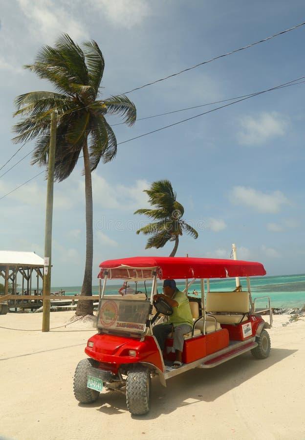 De taxidienst bij Caye-Breeuwijzer, Belize royalty-vrije stock afbeeldingen
