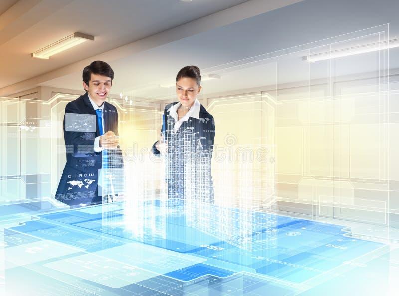 Download De Technologieën Van De Bouw En Van De Innovatie Stock Afbeelding - Afbeelding bestaande uit zakenman, keus: 29511395