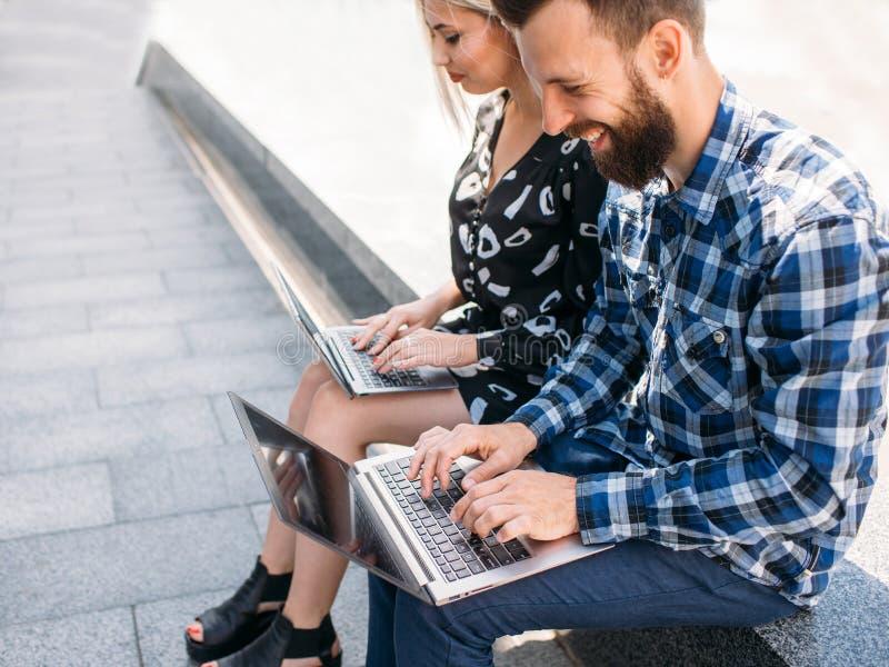 De technologie online onderwijs van computerinternet royalty-vrije stock foto's