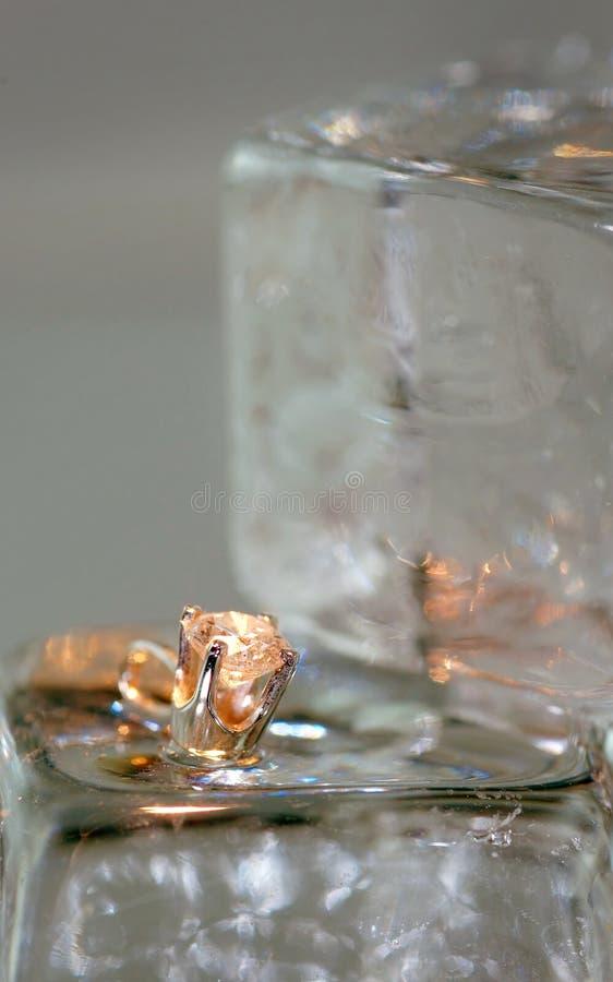 De Tegenhanger van de diamant op Ijs royalty-vrije stock afbeelding
