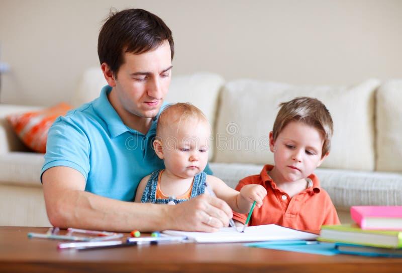 De tekening van de familie stock afbeeldingen