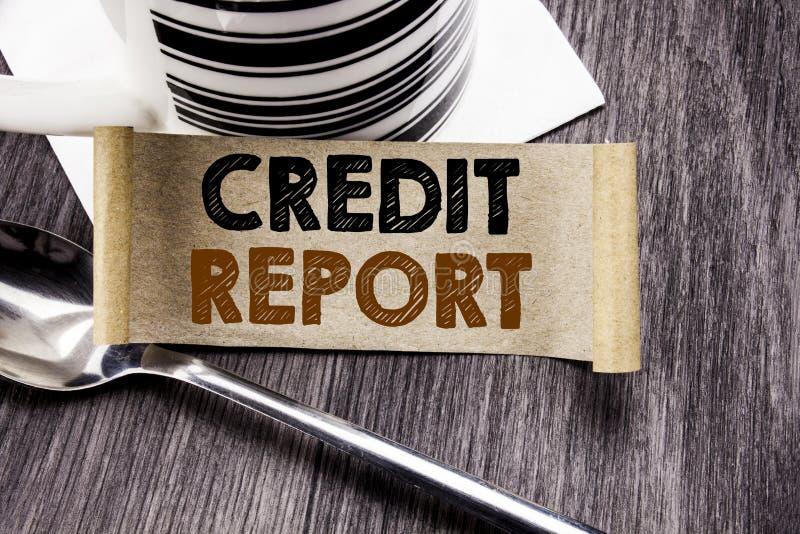De tekst die van de handschriftaankondiging Kredietrapport tonen Bedrijfsconcept voor geschreven de Controle van de Financiënscor stock foto