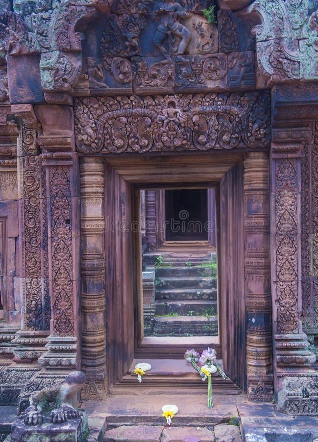 De tempel van Banteaysrei in Kambodja royalty-vrije stock fotografie