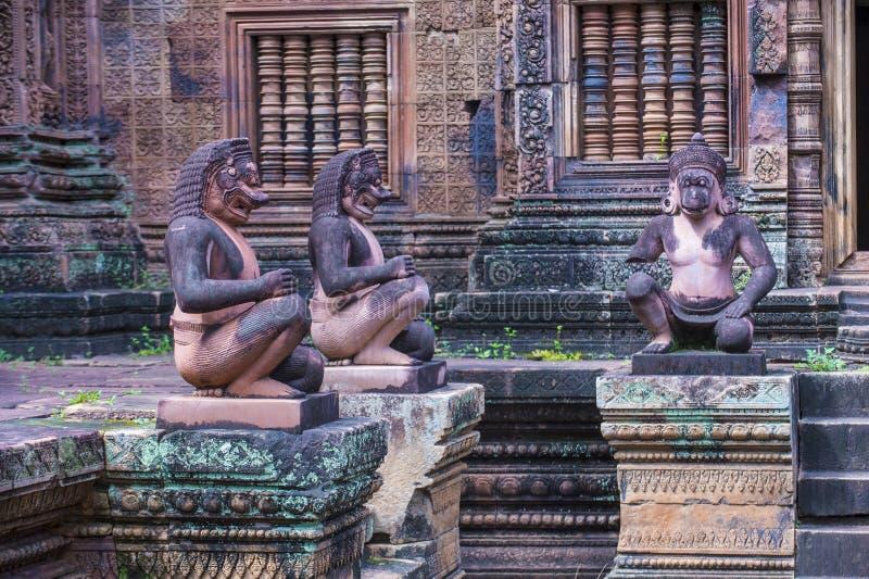 De tempel van Banteaysrei in Kambodja stock fotografie