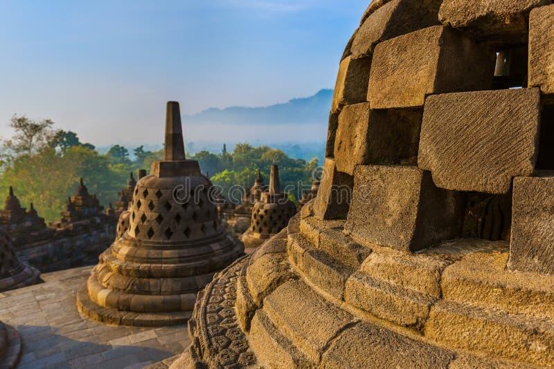 De Tempel van Borobudurbuddist - eiland Java Indonesia stock foto's