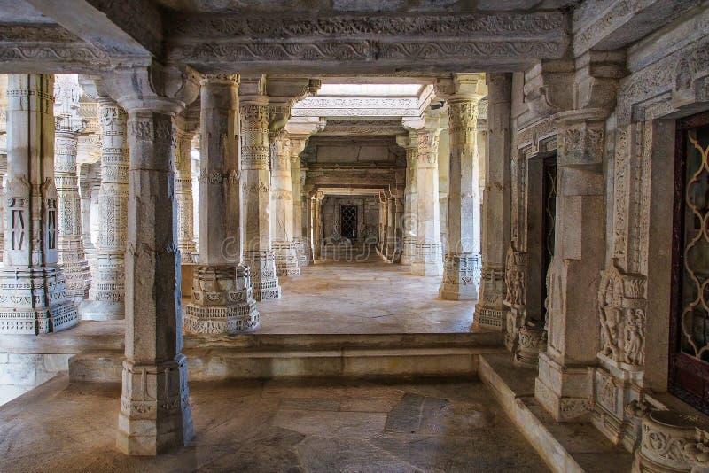 De Tempel van Chaumukhamandir Jain in Ranakpur, Rajasthan, India royalty-vrije stock fotografie