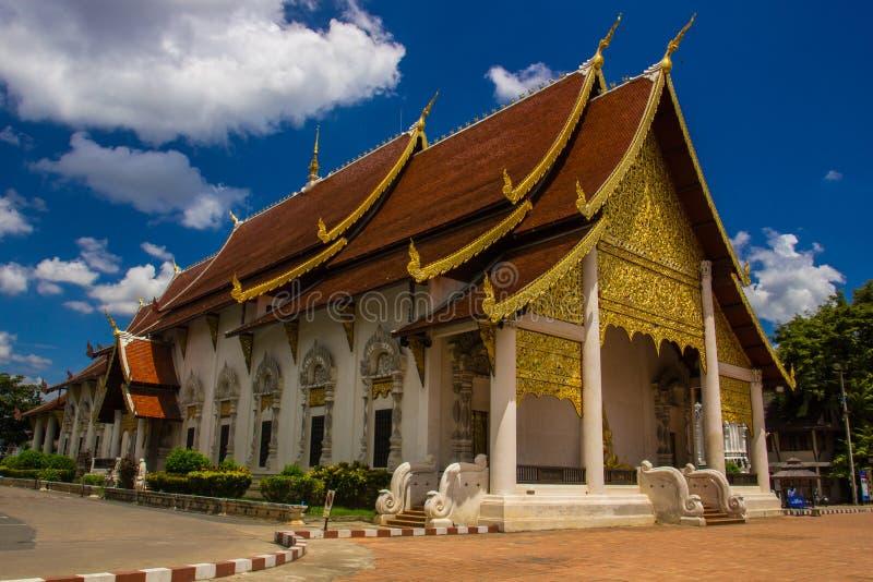 De tempel van Chedi Luang van Wat stock foto