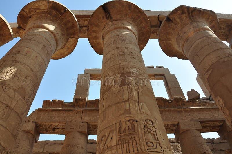 De tempel van Karnak Kolommen bij Grote Hypostyle, Luxor, Egypte stock afbeelding