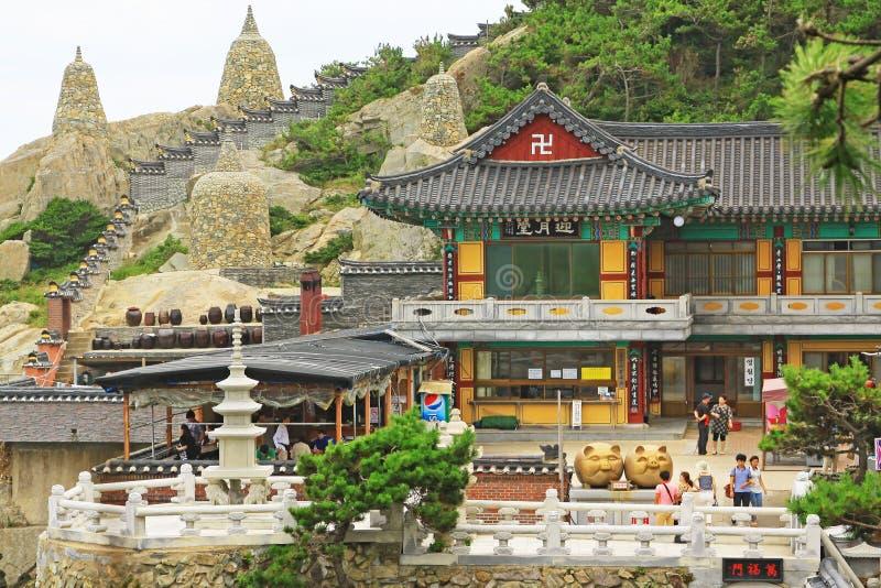 De Tempel van Korea Busan Haedong Yonggungsa stock foto's