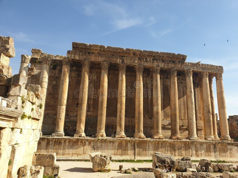 De tempel van Libanon Baalbek van bacchus volledige Ruine buiten zonnige dag royalty-vrije stock afbeelding