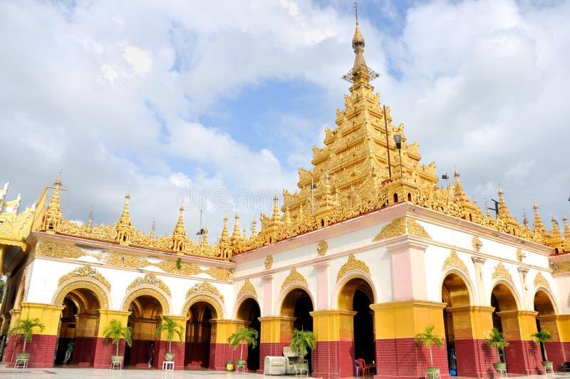 De Tempel van Mahamuniboedha, Mandalay stock afbeeldingen