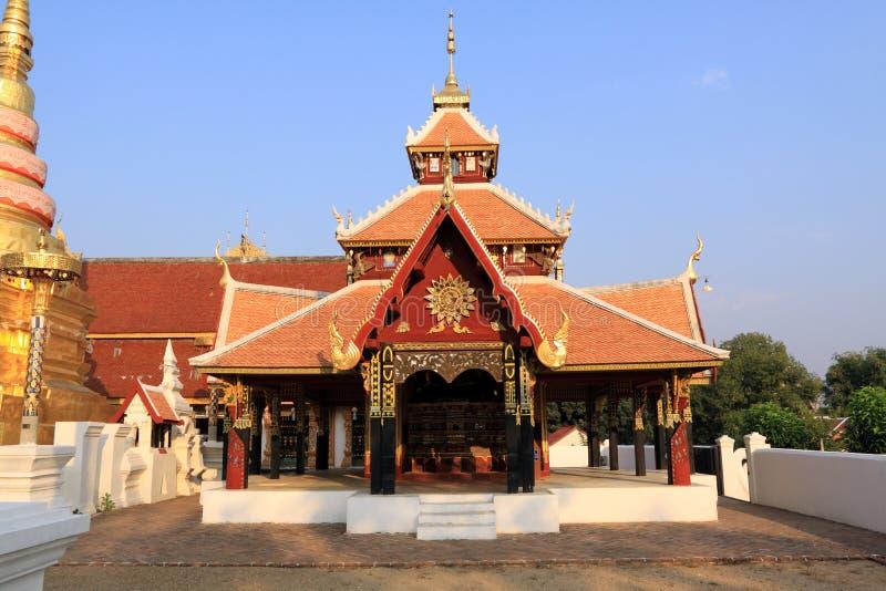 De tempel van Pongsanuk, Lampang, Thailand. stock afbeelding