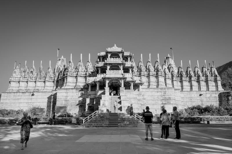 De Tempel van Ranakpurjain in Rajasthan, India stock afbeeldingen