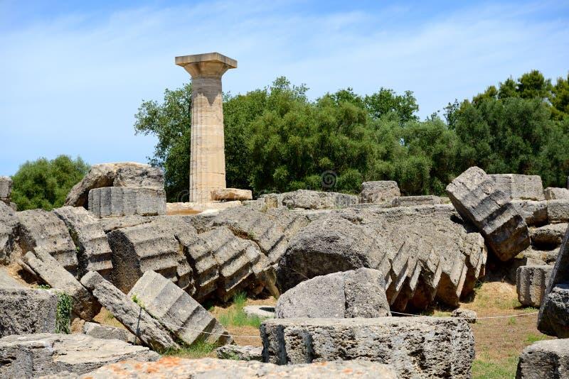 De Tempel van Zeus-ruïnes in oude Olympia stock afbeeldingen