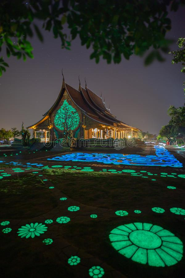 De Tempel Wat Sirindhornwararam, de Provincie van Ubon Ratchathani, Thailand van Phuphrao royalty-vrije stock fotografie