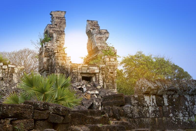 De tempelruïnes (Xth-Eeuw) op een zonsondergang, Siem oogsten, Kambodja royalty-vrije stock foto