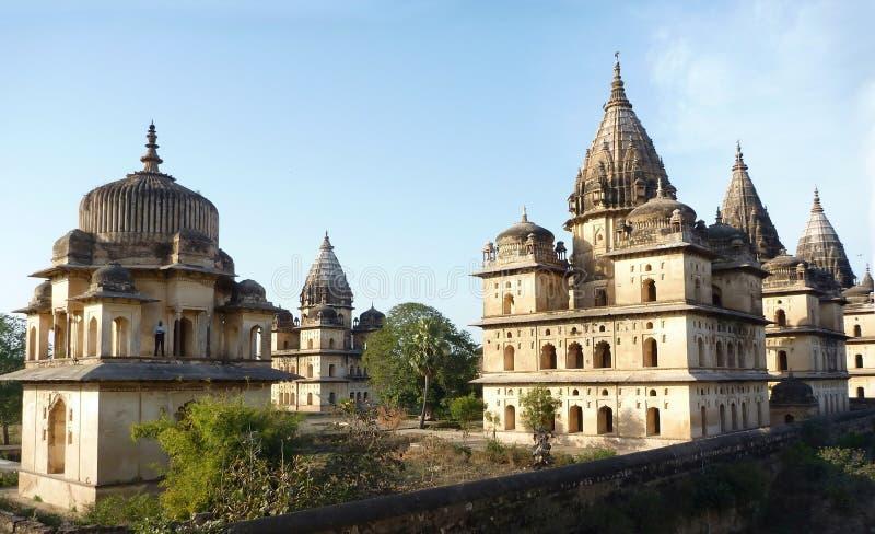 De tempels van Chhatris van Orchha, India royalty-vrije stock foto