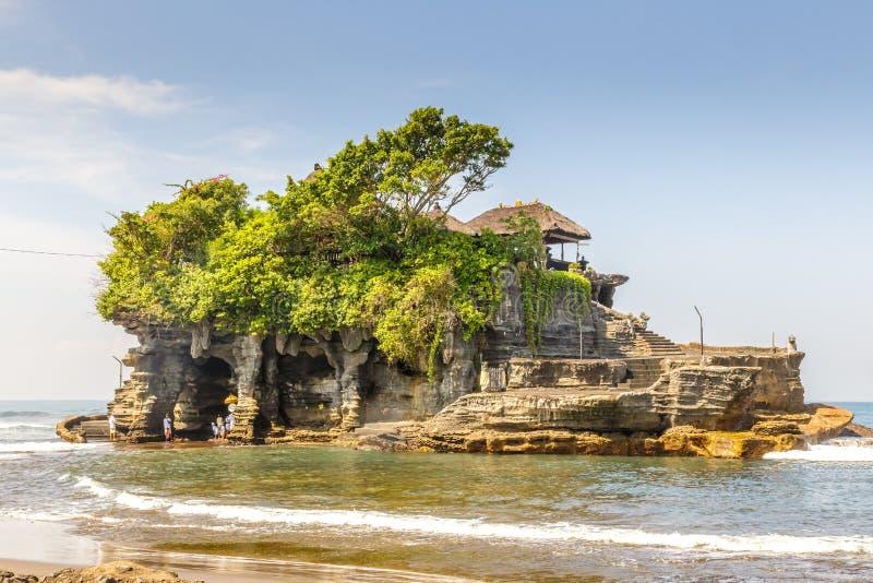 De Tempeltoeristische attractie van de Tanahpartij in Indonesisch Bali, royalty-vrije stock foto's