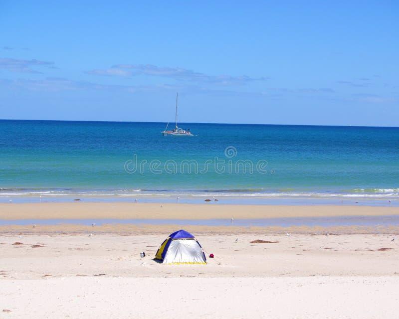 De Tent & het Jacht van het strand royalty-vrije stock afbeeldingen