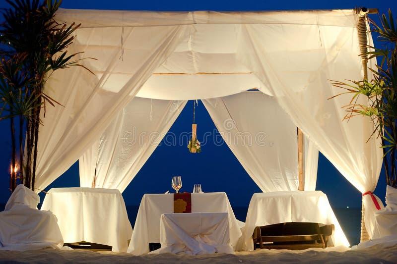 De Tent van het restaurant op Strand royalty-vrije stock afbeelding