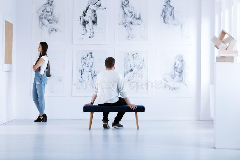 De tentoonstelling van de beeldende kunstenacademie royalty-vrije stock afbeelding