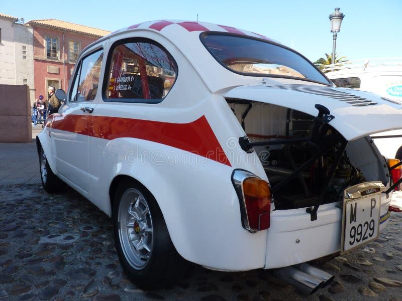 De tentoonstelling van uitstekende auto's, zet 600 Abarth in Talavera de la Reina, Spain7 royalty-vrije stock afbeelding