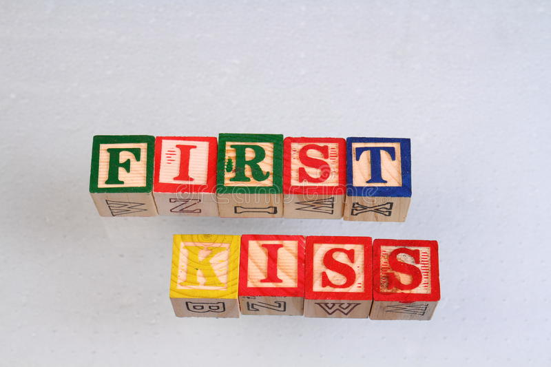 De term eerste kus royalty-vrije stock fotografie