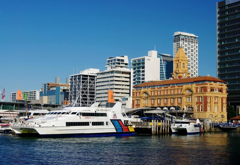 De Terminal van de Veerboot van Auckland stock fotografie