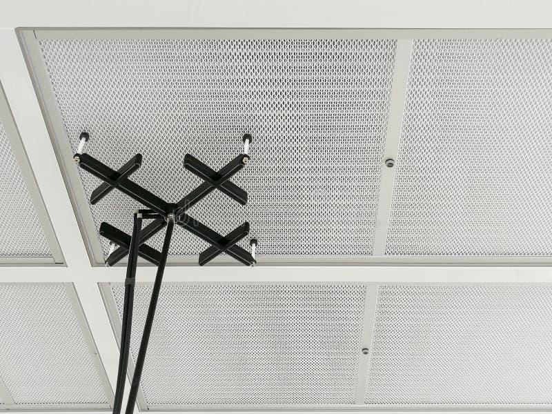 De Test van de luchtsnelheid aangaande HEPA-Filter in werkende ruimte stock fotografie