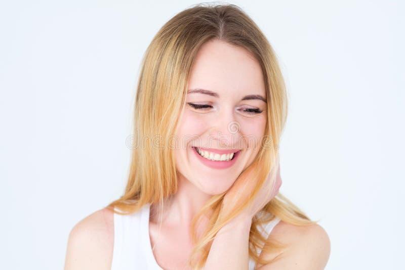 De tevreden glimlachende verrukte vrouw van het emotiegezicht royalty-vrije stock foto