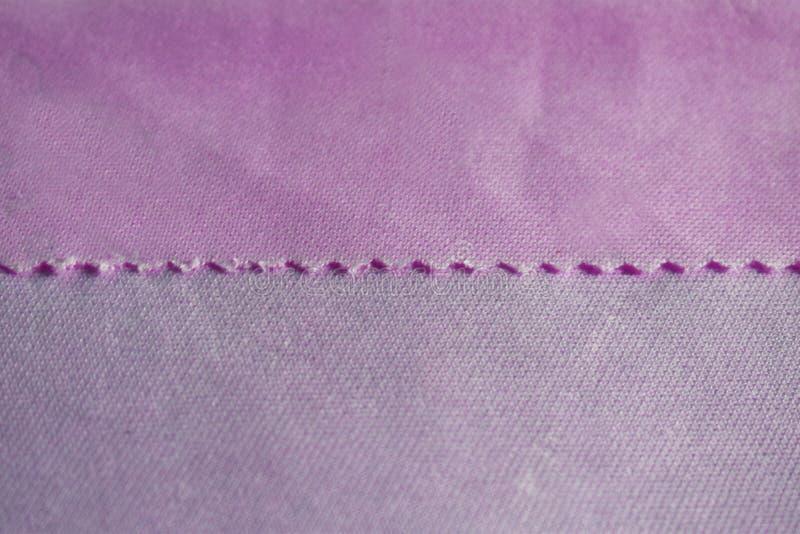 De textuur is satijn en chiffonstoffen roze kleur voor de achtergrond royalty-vrije stock foto