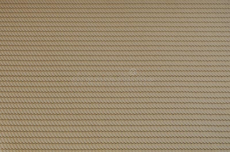De textuur van het dak van geschilderd metaal Close-up gedetailleerde mening die van dak voor geworpen dak behandelen Hoog - kwal stock fotografie