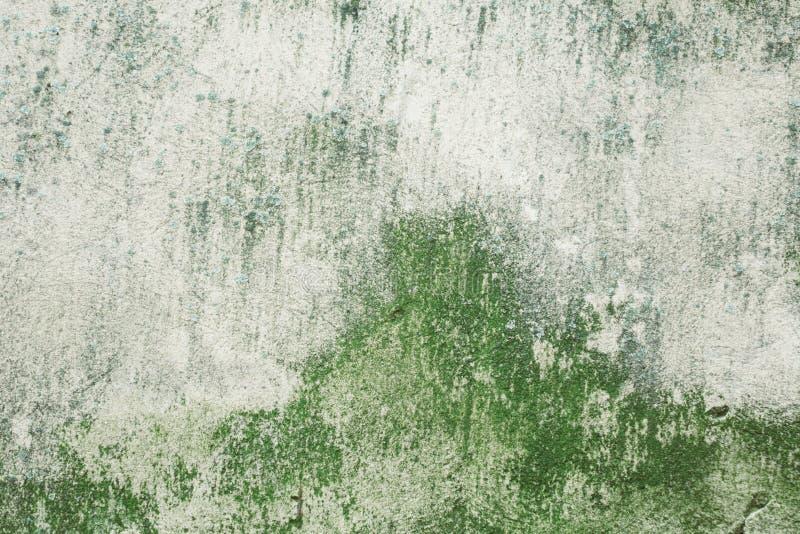 De textuur van de muur met krassen en barsten aan alle kanten stock fotografie