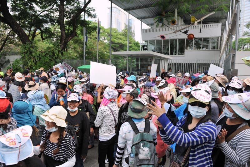 De arbeiders protesteren stock afbeeldingen