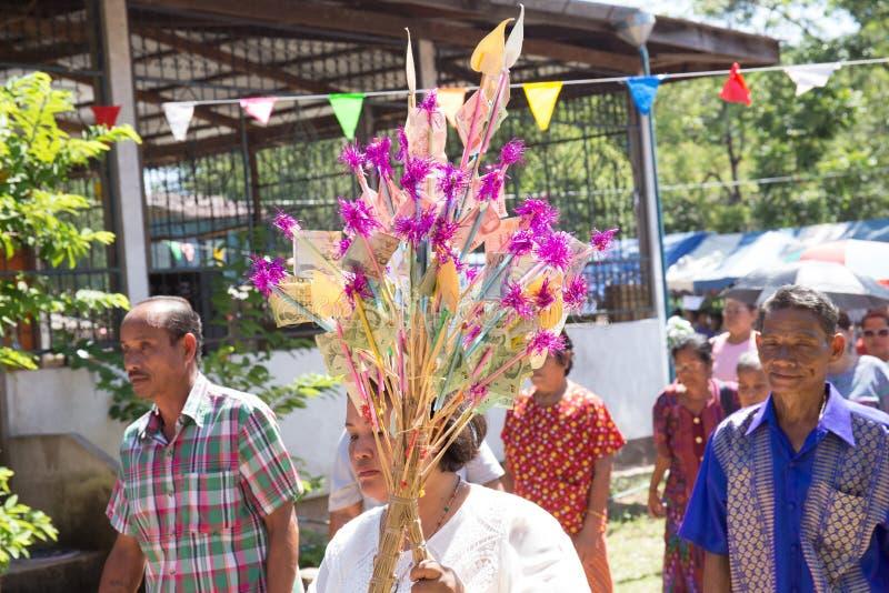De Thaise boeddhistische boom van het schenkingsgeld in Boeddhistisch Lent Day royalty-vrije stock fotografie