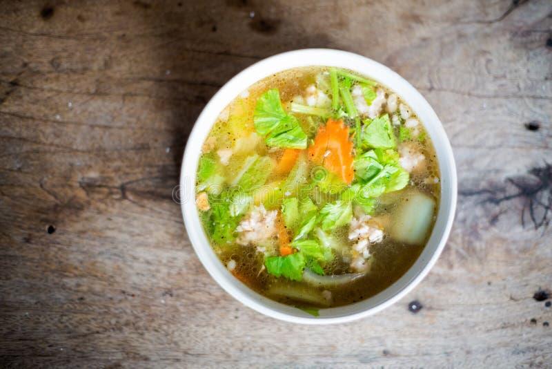 De Thaise groentesoep van de varkensvleesbouillon royalty-vrije stock fotografie