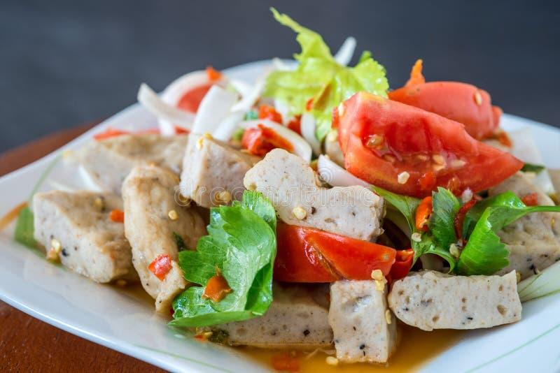 De Thaise salade van het keuken kruidige varkensvlees, Yum Moo Yor royalty-vrije stock afbeelding