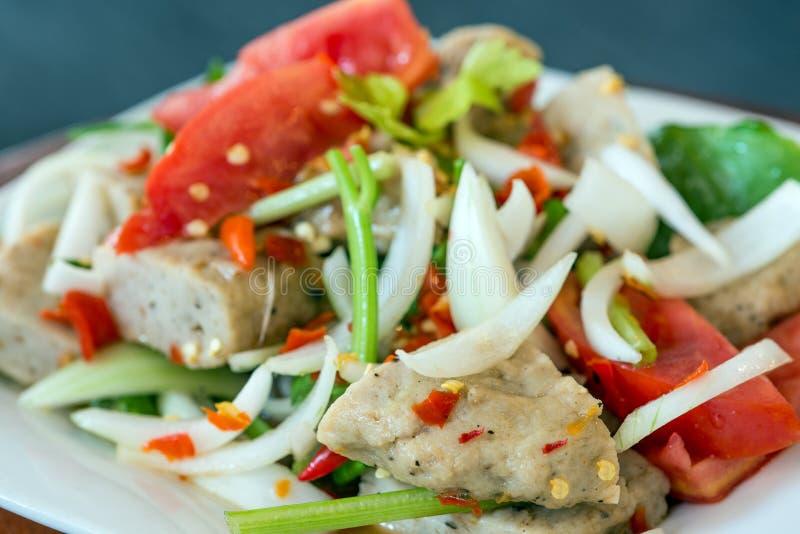 De Thaise salade van het keuken kruidige varkensvlees, Yum Moo Yor royalty-vrije stock afbeeldingen