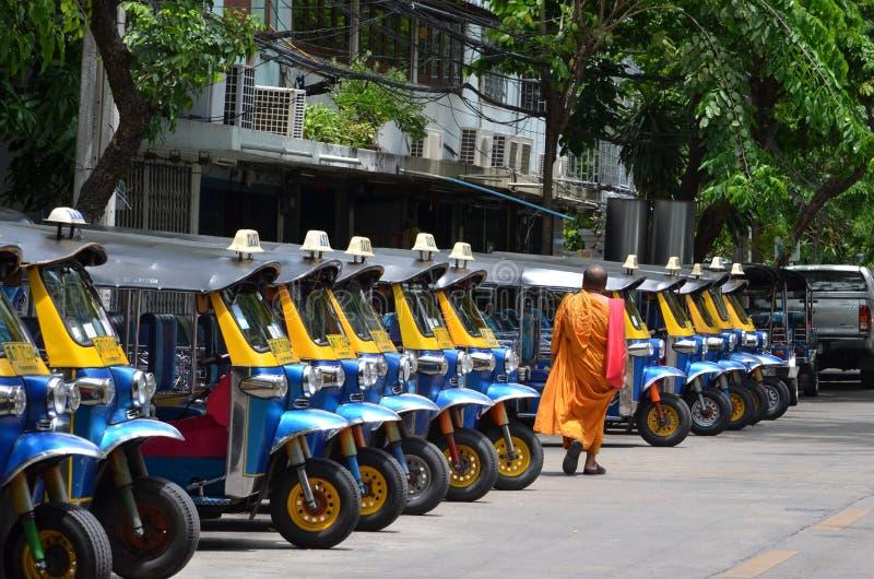 De Thaise taxi met drie wielen van vervoerstuk Tuk stock foto's