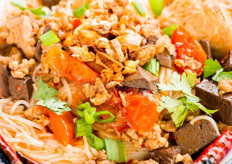 De Thaise vermicelli met soep of kanom jeen, Thais voedsel royalty-vrije stock fotografie