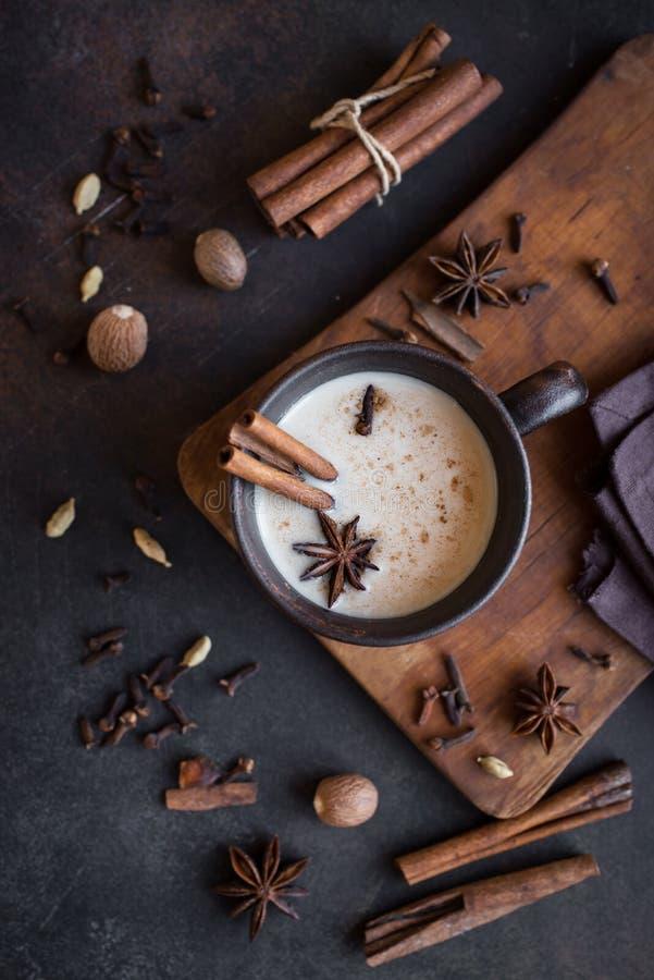 De thee van Masalachai stock afbeeldingen