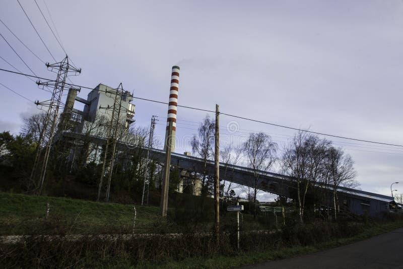 De Thermische Elektrische centrale van Meirama is een conventionele cyclus thermo-elektrische installatie stock afbeeldingen