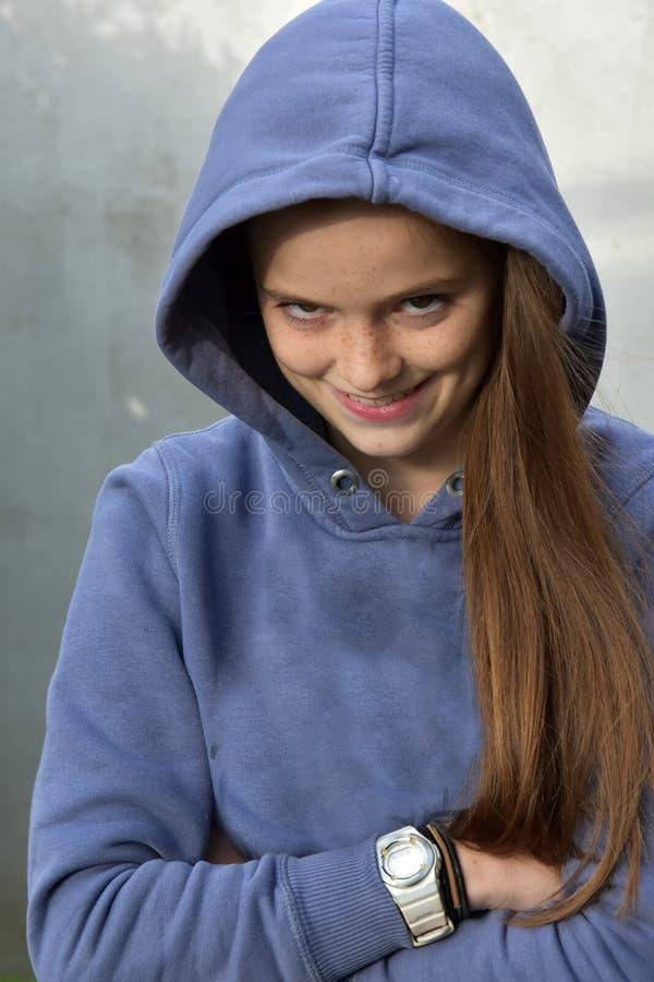 De tiener streeft naar wraak stock afbeelding