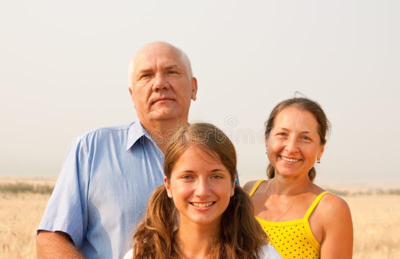 De tienerdochter van de vader en van de moeder whith royalty-vrije stock foto's